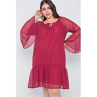 Plus size bordeauxrode bell mouwen shirred jurk
