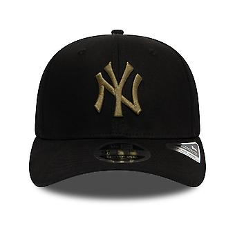 New Era Total Stretch Snap 9FIFTY Cap in Black/New olive