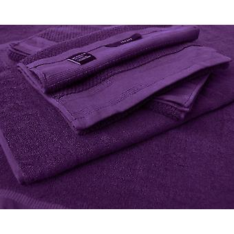 2 bath towels and 2 towels in 100% cotton
