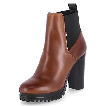 טומי הילפיגר EN0EN01075GVI EN0EN01075GVIWINTERCOGNAC אוניברסלי נעלי נשים בחורף