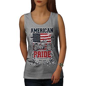 アメリカの誇りをバイクに乗る女性 GreyTank トップ |Wellcoda