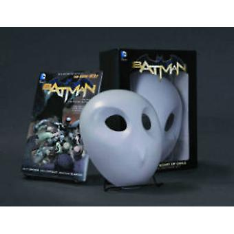 Batman The Court of Owls Mask and Book Set the New 52 by Scott Snyder & Illustrated by Greg Capullo