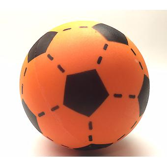 Foam voetbal oranje 20 cm.