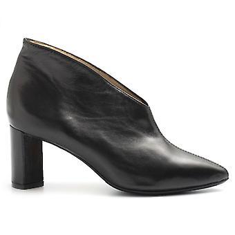Bottines Arianna en cuir noir avec décolleté en V