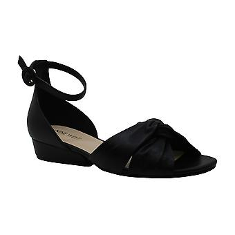 Yhdeksän West naisten LUMSI nahka avoin toe rento nilkka hihna sandaalit