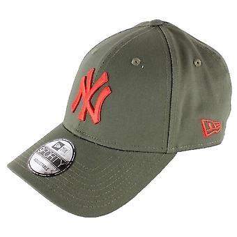 עידן חדש 9FORTY ניו יורק יאנקיז חיוני כובע - חאקי ירוק / אדום
