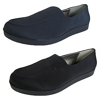 Me Too Womens Baylee Loafer Flat Shoe