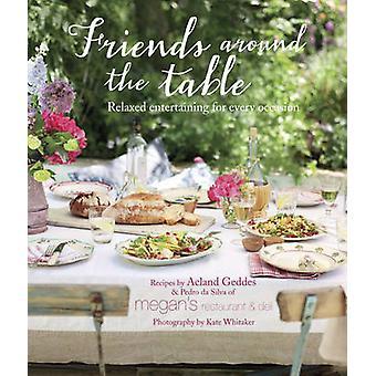 Vrienden rond de tafel - ontspannen onderhoudend voor elke gelegenheid door