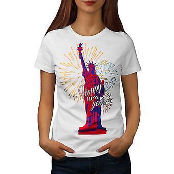 Новый год женщин свободы статуя WhiteT рубашка | Wellcoda