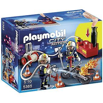 Playmobil City handling brandfolk med vandpumpe