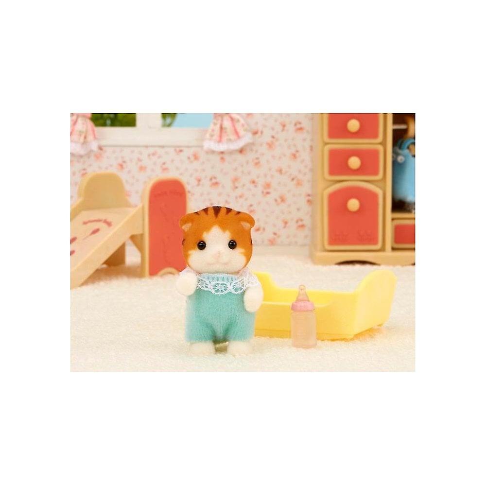 Sylvanian Families  5291  Maple Cat Baby