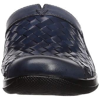 SoftWalk Womens Salina Leather Closed Toe Mules
