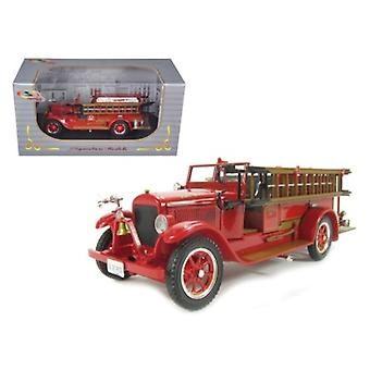 1928 Reo Fire Engine 1/32 Diecast Car Model by Signature Models
