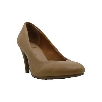 A.R. Felix Round Toe Heels - Nude