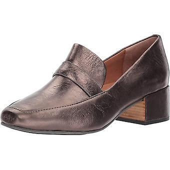 Gentle Souls Womens Eliott Leather Closed Toe Loafers