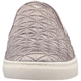 Vince Camuto Womens BILLENA Low Top Slip On Fashion Sneakers