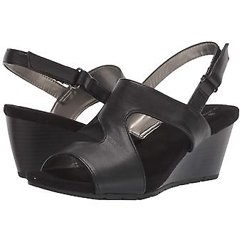 Bandolino Footwear Womens Gannet3 Fabric Open Toe Casual Slingback Sandals