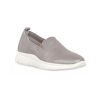 Frau steel deer shoes