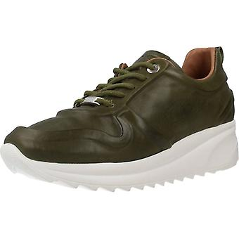 Carmela Sport / Sneakers 67143c Color Kaki