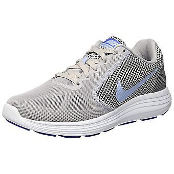 Nike Womens REVOLUTIES 3 lage Top Lace Up Running Sneaker