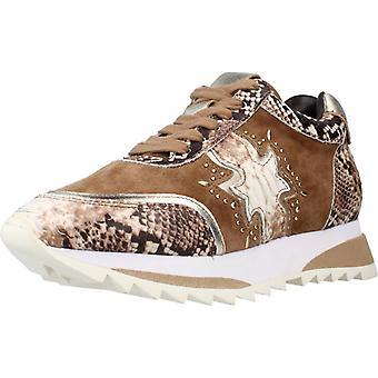 Alma En Pena Sport / I20431 Color Camel Sneakers