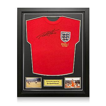 Sir Geoff Hurst firmó la camiseta de Inglaterra para la Copa Mundial de 1966. Marco estándar
