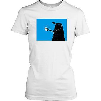 Dalek escuchando Ipod - camisa de las señoras T Cool Sci Fi