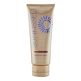 Sunkissed Every Day Tan Lotion 200ml - Medium/Dark