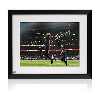 Andres Iniesta a signé Barcelone Photo: Le but final. Encadré
