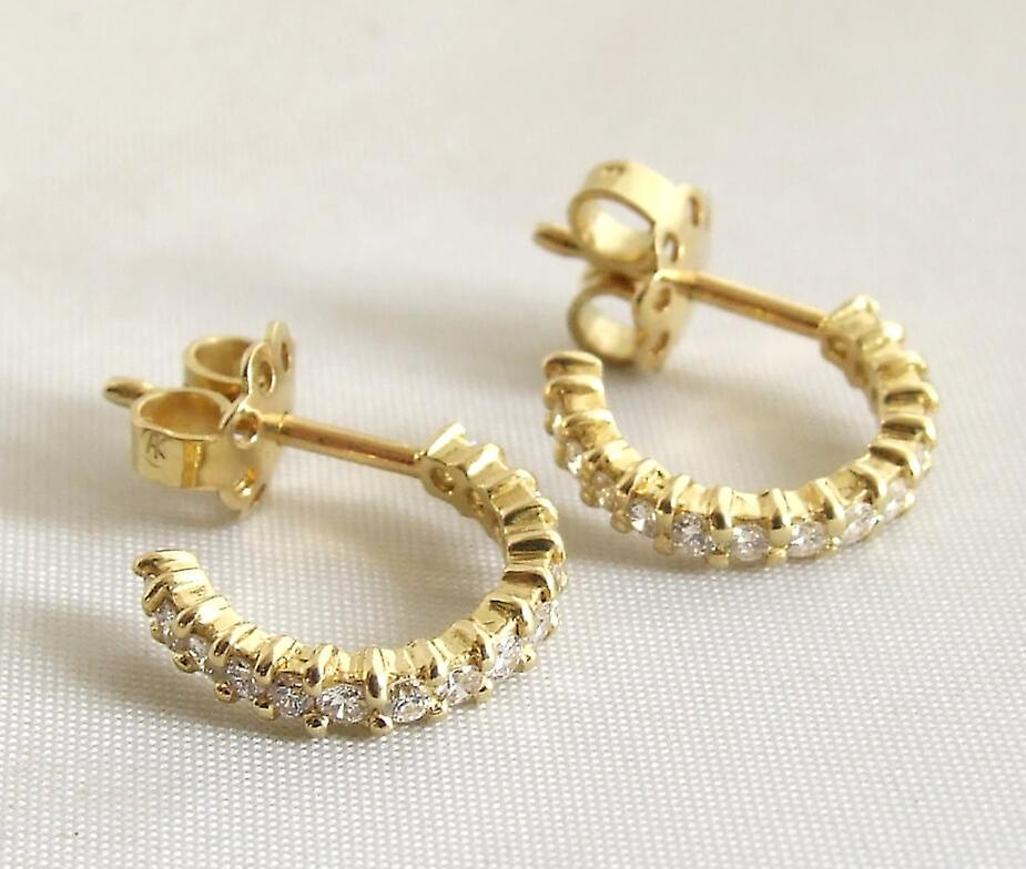 18 carat yellow gold earrings with diamonds