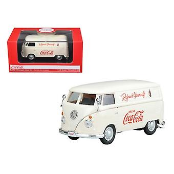 1962 Volkswagen Coca Cola Cargo Van Cream 1/43 Diecast Model par Motorcity Classics