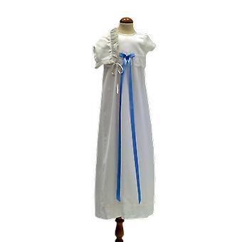 与多菲塔和苗条的蓝色弓洗礼礼服。塞斯