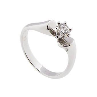 White gold ring with brilliantcut diamond