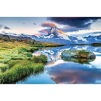 Matterhorn aamun auringonnousun aikaan