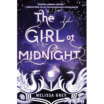 The Girl at Midnight 9780385744669