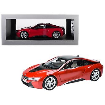 BMW i8 Protonic Red with Black Top 1/18 Diecast Model Car par Paragon