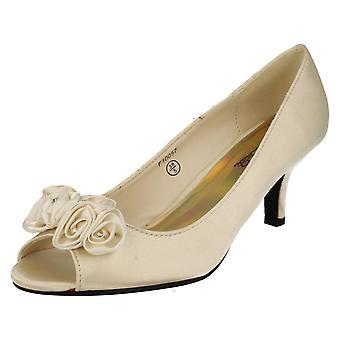 Hyvät paikalla Peep Toe kengät kanssa kukka yksityiskohta