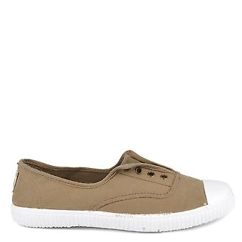 Victoria Shoes Dora Safari Canvas Plimsoll