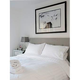 Weiße Satin Streifen Bettbezug und Kissenbezug Set