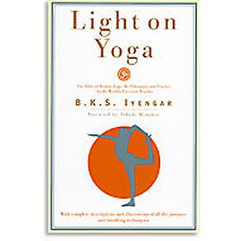 Light on Yoga 9780805210316