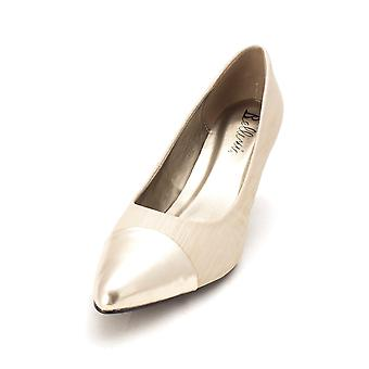 Bellini Womens piquante Pointed Toe Classic Pumps