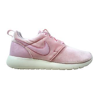Nike Roshe Один Арктический розовый/Парус 599729-617 Класс-Школа