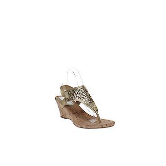 White Mountain   Arnette Wedge Thong Sandals