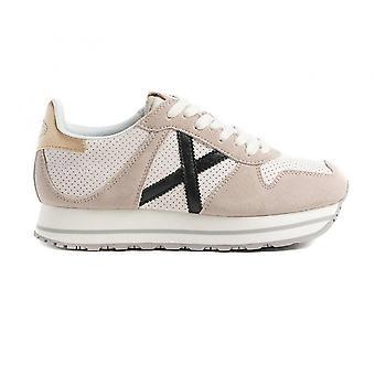 Shoes Women Munich Sneaker Massana Sky 142 Suede White Ds21mu04 8810142