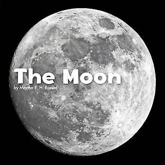 The Moon by Martha E. H. Rustad - 9781474712514 Book