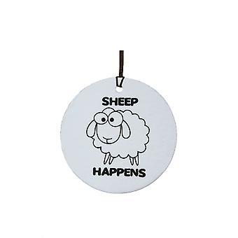 Schaf passiert Auto Lufterfrischer