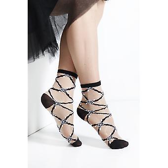 Zarif Saf Çoraplar