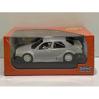Ranura CA40Z Alfa Romeo 155 V6 95 Kit Blanco Piezas Pre-Ensambladas y Pintadas