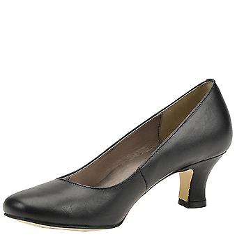 ARRAY Womens Flatter Closed Toe Classic Pumps