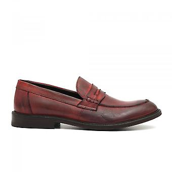 Moccasic In Soft Red Antiqued Leather